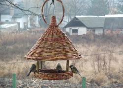 Mészáros György – kézműves madáretetők, madárodúk készítése
